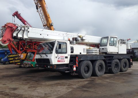 Dźwig samojezdny 70 ton