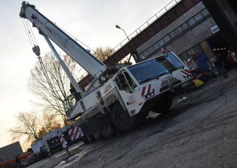 Dźwig samojezdny 200 ton