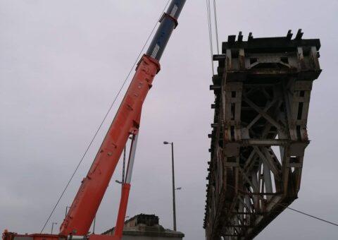 Rozbiórka mostu kolejowego w Łodzi