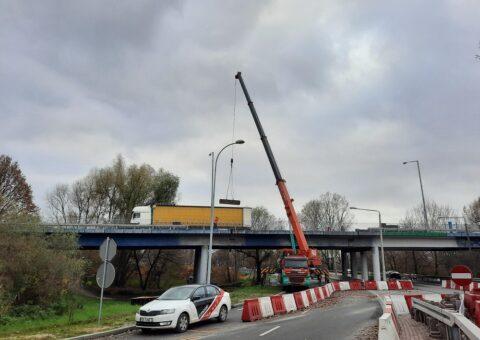 Remont wiaduktu w Pruszkowie – dźwig Faun Tadano