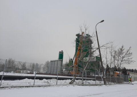 TEREX Demag 160 ton przy wyciąganiu pasa transportowego
